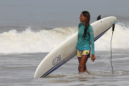 indian-surfer